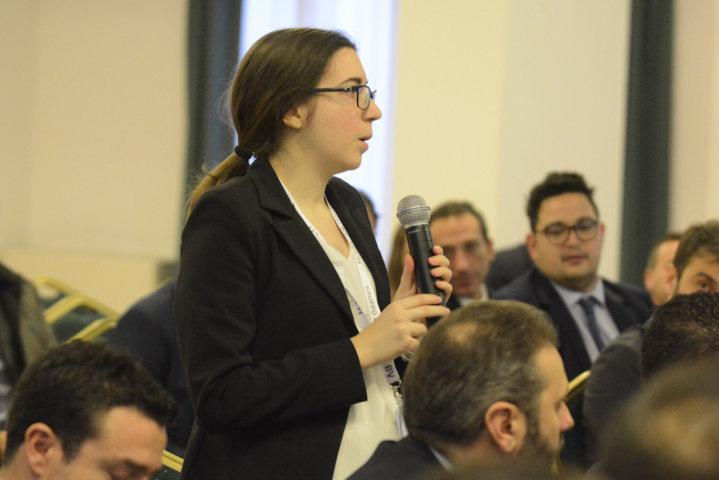 dialogo-tra-responsabili-e-collaboratori-al-meeting-di-BV-TECH
